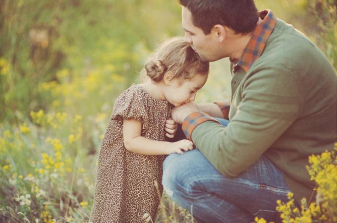 Відкидаючи батька…